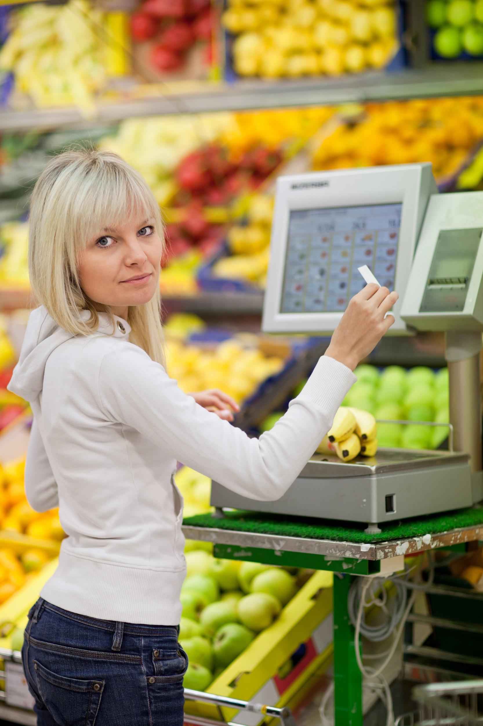 systémy označování zboží dotisk váha v obchodě label design