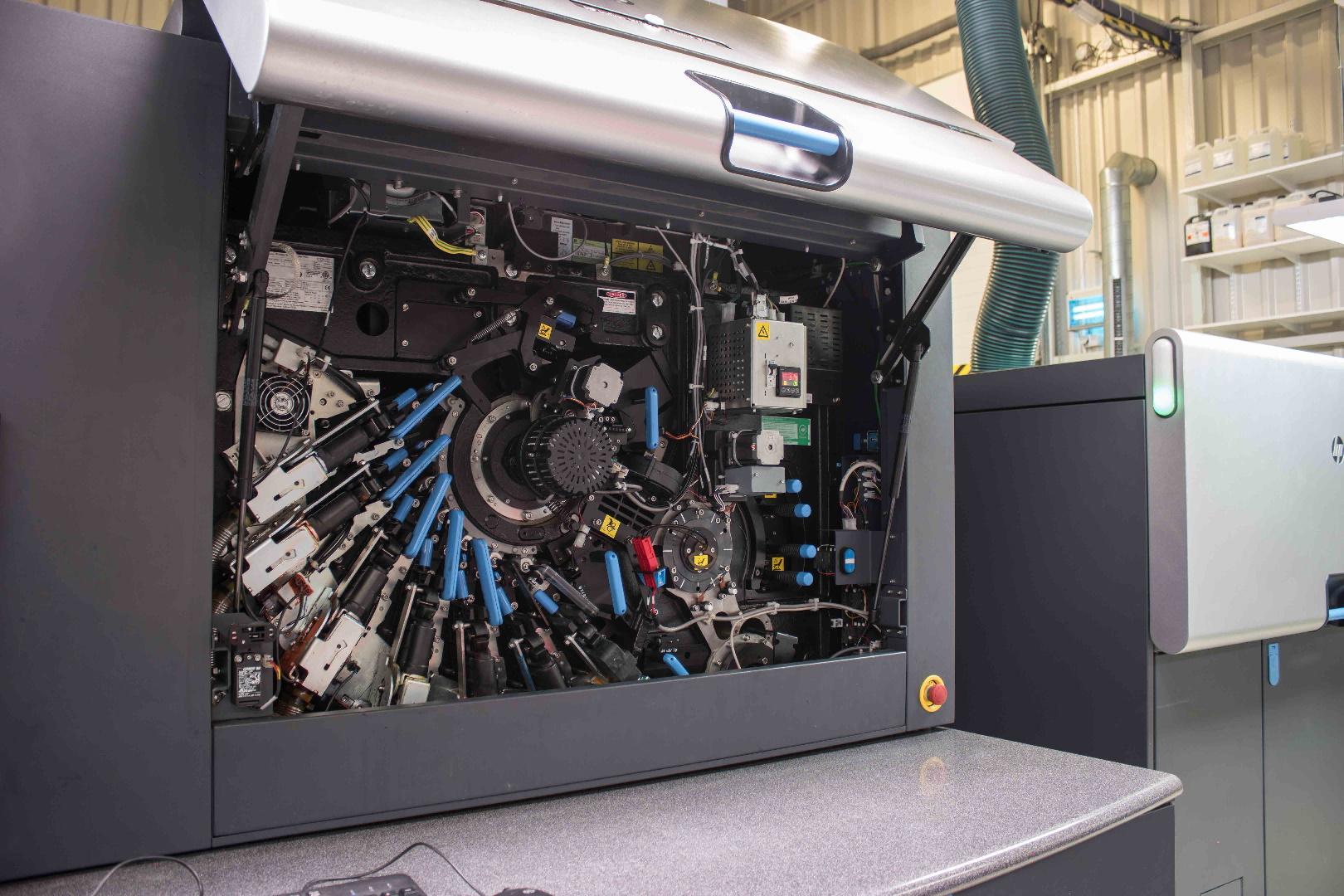 digitální tiskové stroje HP Indigo label design